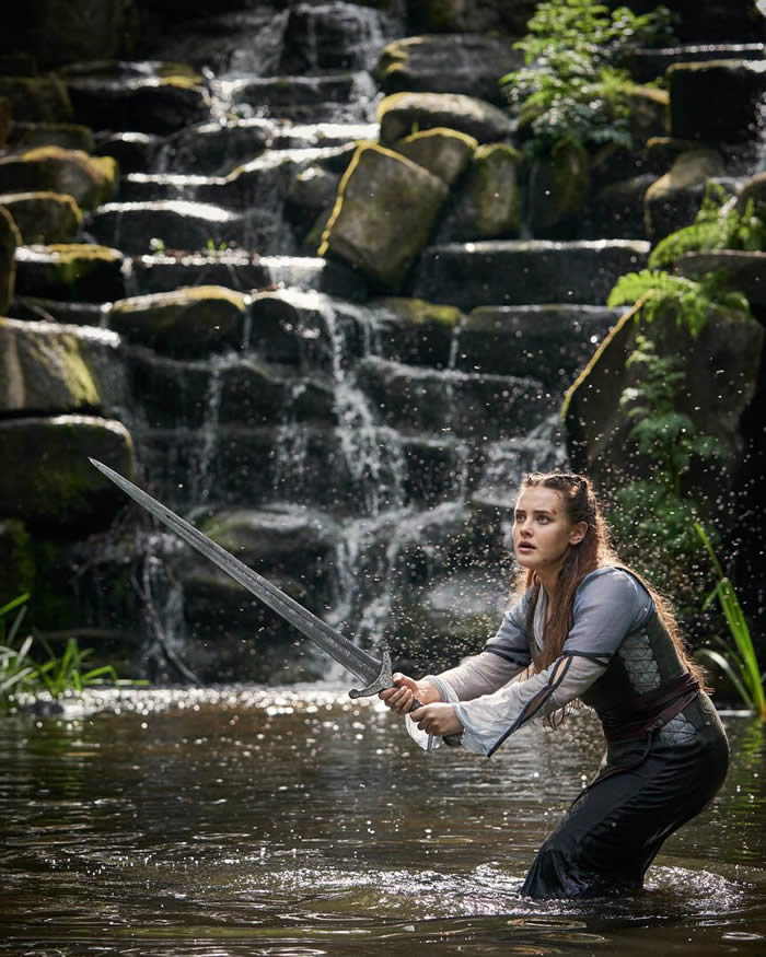 Katherine Langford in Cursed - Netflix