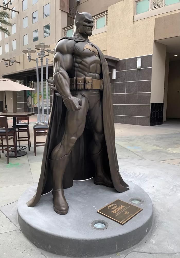 Batman la statua di Burbank